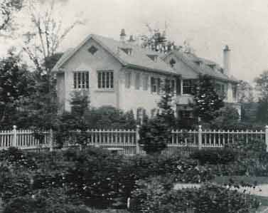 The original manor house where retreats were first given, destroyed in 1934